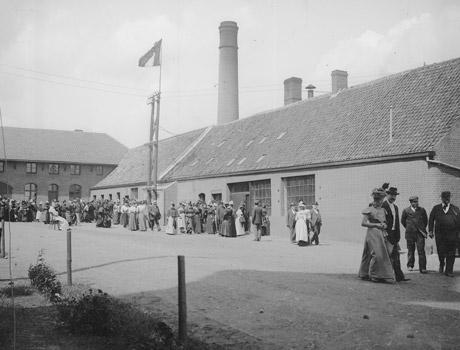 1898 devant Brasserie du Mont des Cats - bière trappiste française